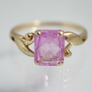 Jewelry - Vintage 10k 2 Carats Pink Sapphire Ring